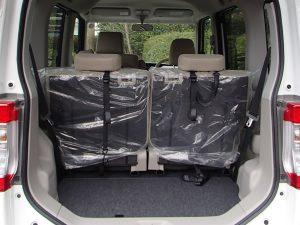後部座席使用時のタント荷室