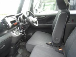 N-BOXカスタム運転席