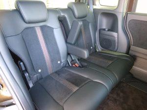 新型N-BOXカスタムの後部座席